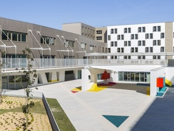 Conception-réalisation d'un gymnase, groupe scolaire, résidence étudiante de 151 chambres et 124 logements sur la ZAC Montjoie